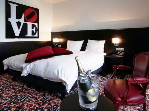 Populair van der valk nootdorp hotelkamer met bubbelbad - Kamer heeft een mager ...