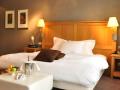 sandton_chateau_de-raay_deluxe_room1