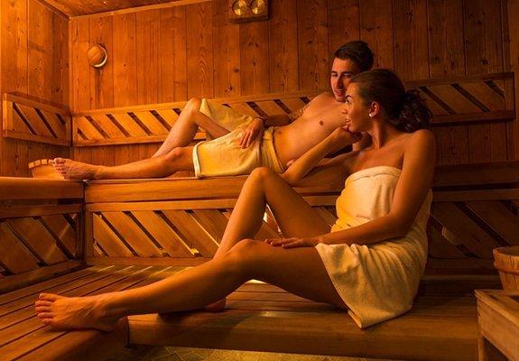 Samen naar de sauna