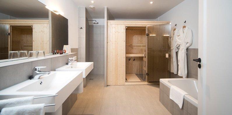 Slapen op een idyllisch plekje aan de vecht - Kleedkamer suite badkamer kleedkamer ...